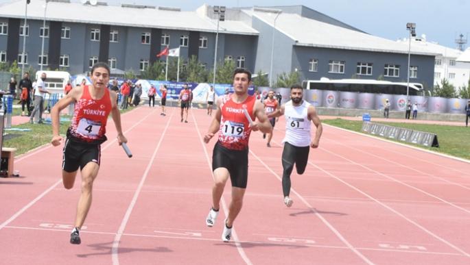 Erzurum'da atletizm kota yarışları nefes kesti