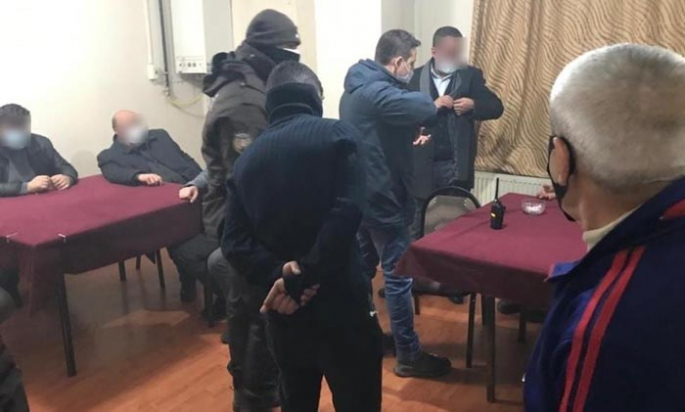 Erzurum'da polisten pandemi baskını!