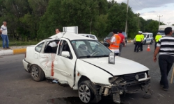 Aşkale'de trafik kazası: 5 yaralı!