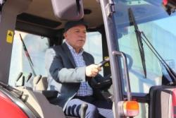 Büyükşehir Belediyesi yeni tarım makinalarını tanıttı