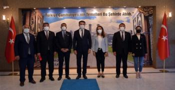 CHP heyetinden Vali Memiş'e ziyaret