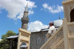Erzurum'da binlerce vatandaş cuma namazı için meydanla akın etti