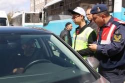 Erzurum'da öğrenciler trafik denetimine çıktı