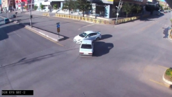 Erzurum'da trafik kazaları kameralara işte böyle yansıdı