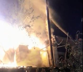 Şenkaya'da alevler geceyi aydınlattı