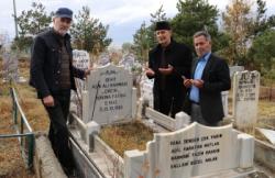 Âşık Rahmani ölümünün 25. yılında mezarı başında anıldı