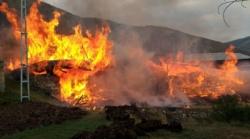 Tortum'da yangın: 3 ev 9 ahır kül oldu!