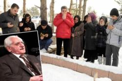 Türkü Paşa mezarı başında anıldı...