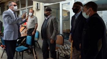 Vali Memiş Karayazı'da esnafı ziyaret etti