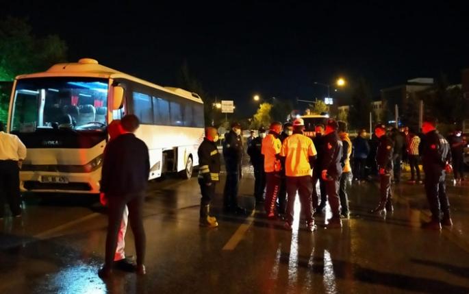 Tur otobüsü 3 aracı biçti: 7 yaralı!