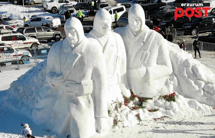 90 bin şehit anısına kardan heykel!