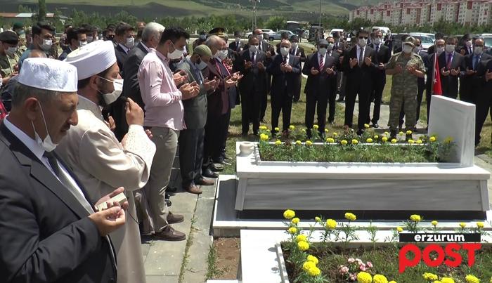 15 Temmuz Şehitleri Erzurum'da dualarla anıldı
